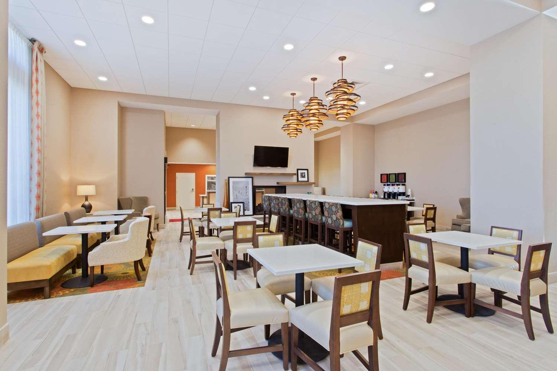 Restaurant - Hampton Inn Sault Sainte Marie