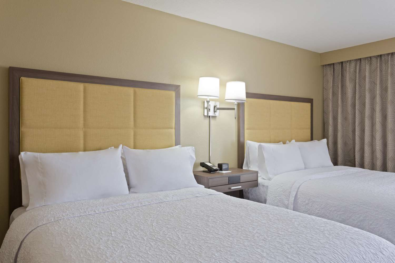 Room - Hampton Inn Sault Sainte Marie