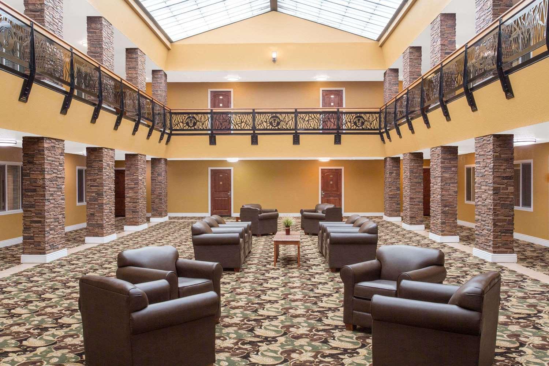 Lobby - Ramada Elko Hotel & Casino