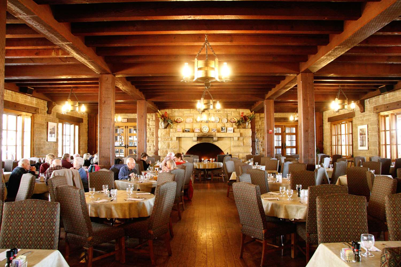 Restaurant - Pere Marquette Lodge & Conference Center Grafton