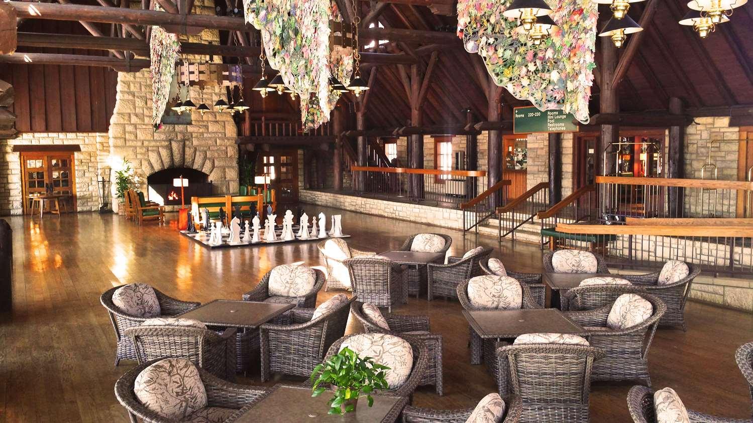 Lobby - Pere Marquette Lodge & Conference Center Grafton