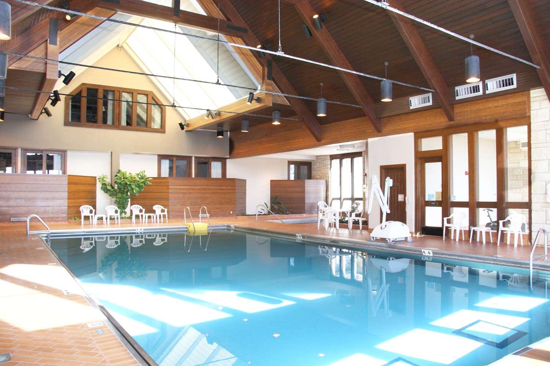 Pool - Pere Marquette Lodge & Conference Center Grafton