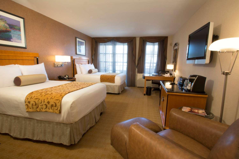 Room - Inn at Great Neck