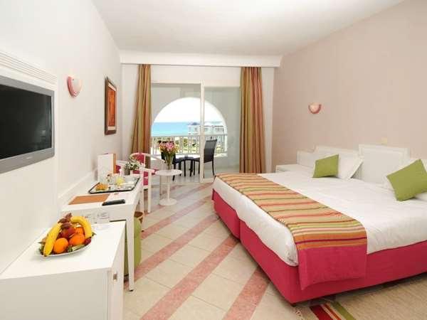 Hôtel HOTEL GOLDEN TULIP TAJ SULTAN - Chambre standard - Vue mer