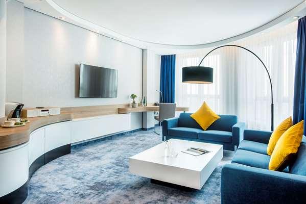 Hotel GOLDEN TULIP WARSAW AIRPORT - Suite Room