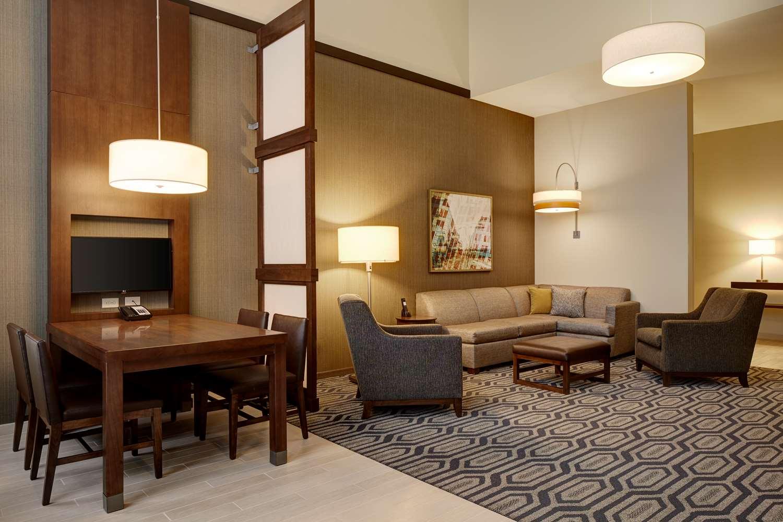 Suite - Hyatt Place Hotel Downtown St. Paul