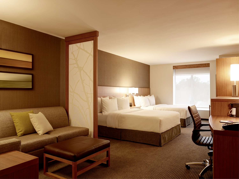 Room - Hyatt Place Hotel Courthouse Arlington