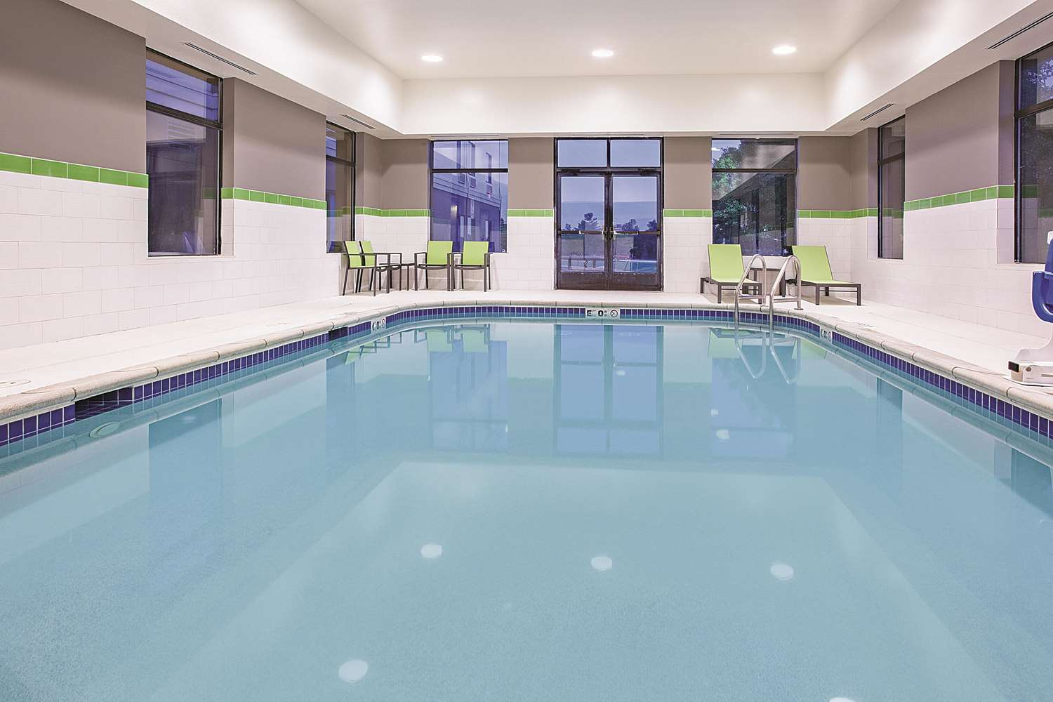 Pool - La Quinta Inn & Suites Cedar Rapids