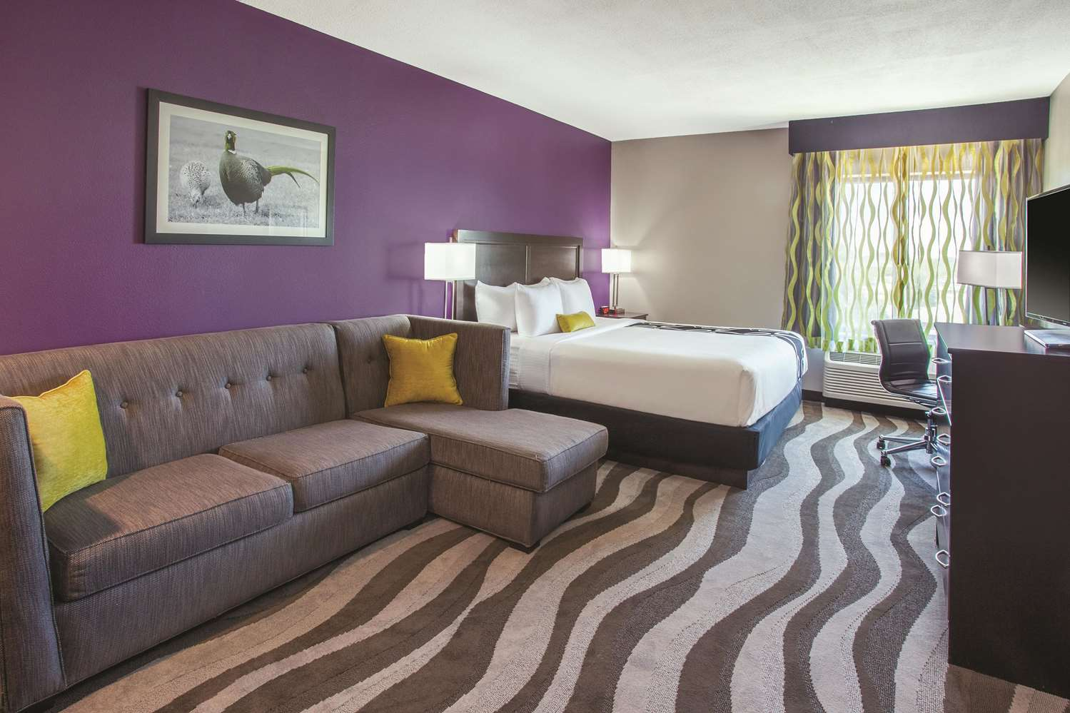 Room - La Quinta Inn & Suites Cedar Rapids