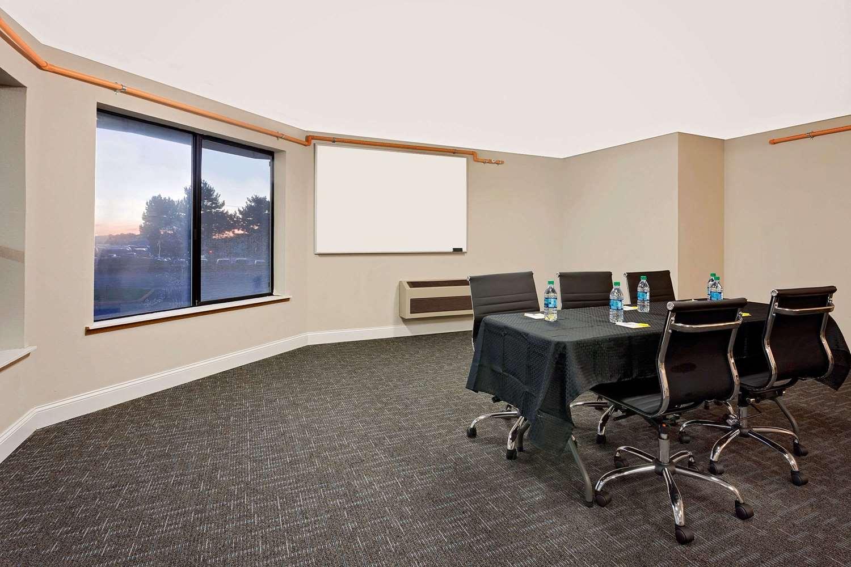 Meeting Facilities - Days Inn South Lakewood