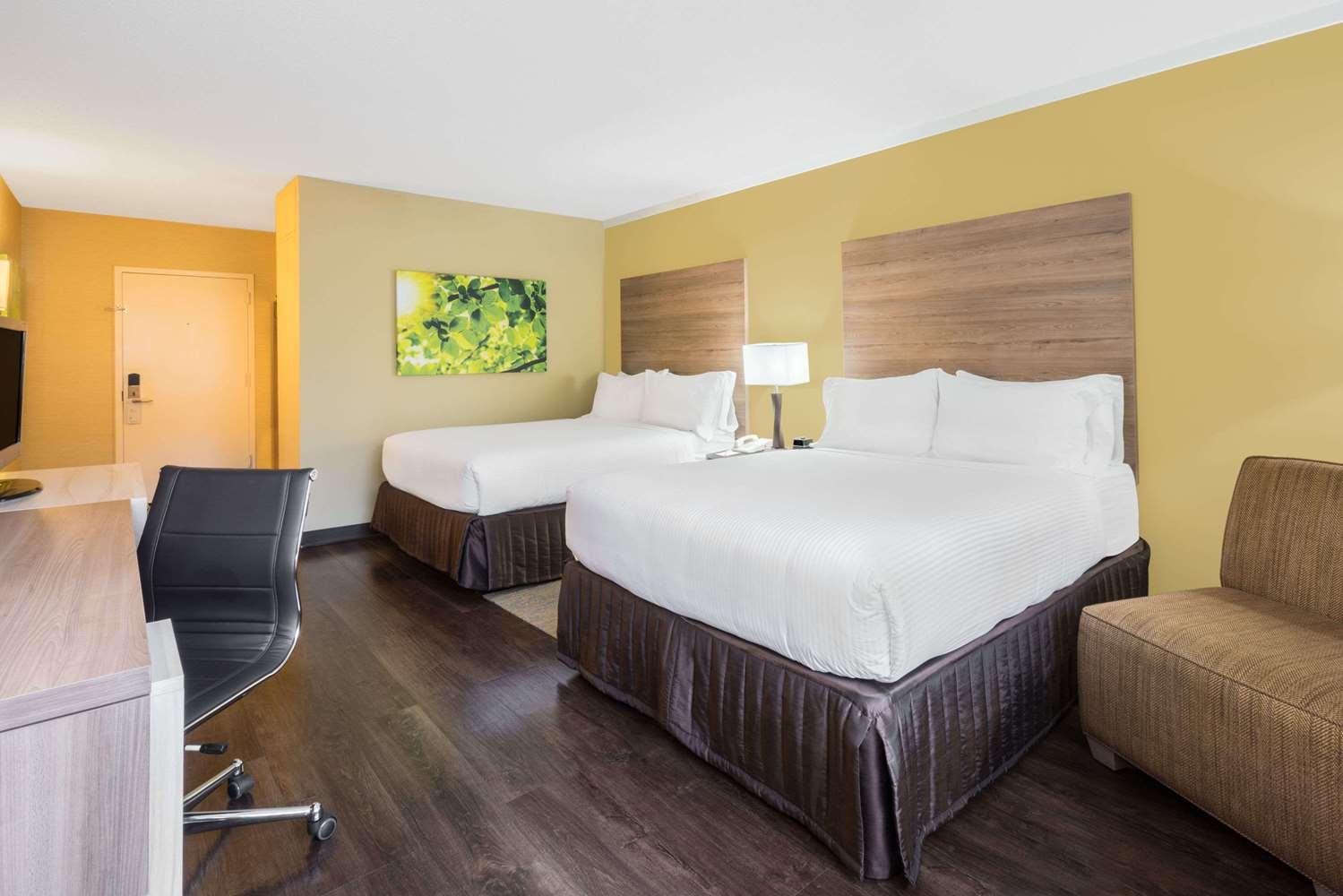 Room - Wyndham Garden Hotel North BW Parkway Cheverly