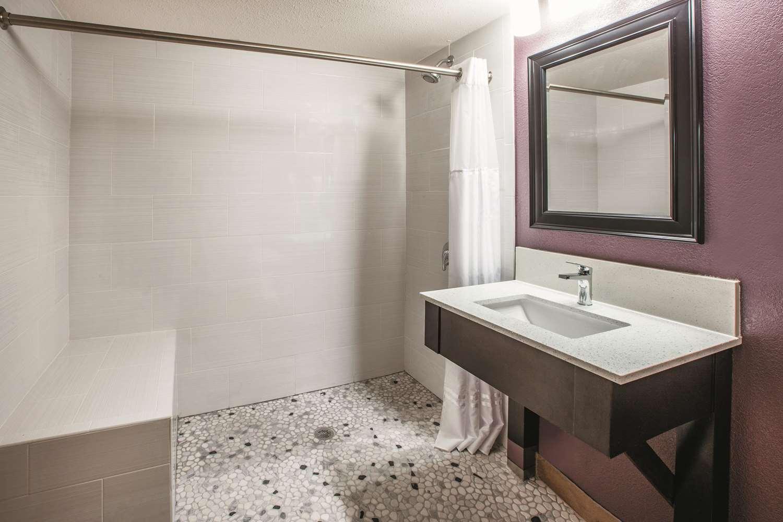Room - La Quinta Inn & Suites Sturbridge