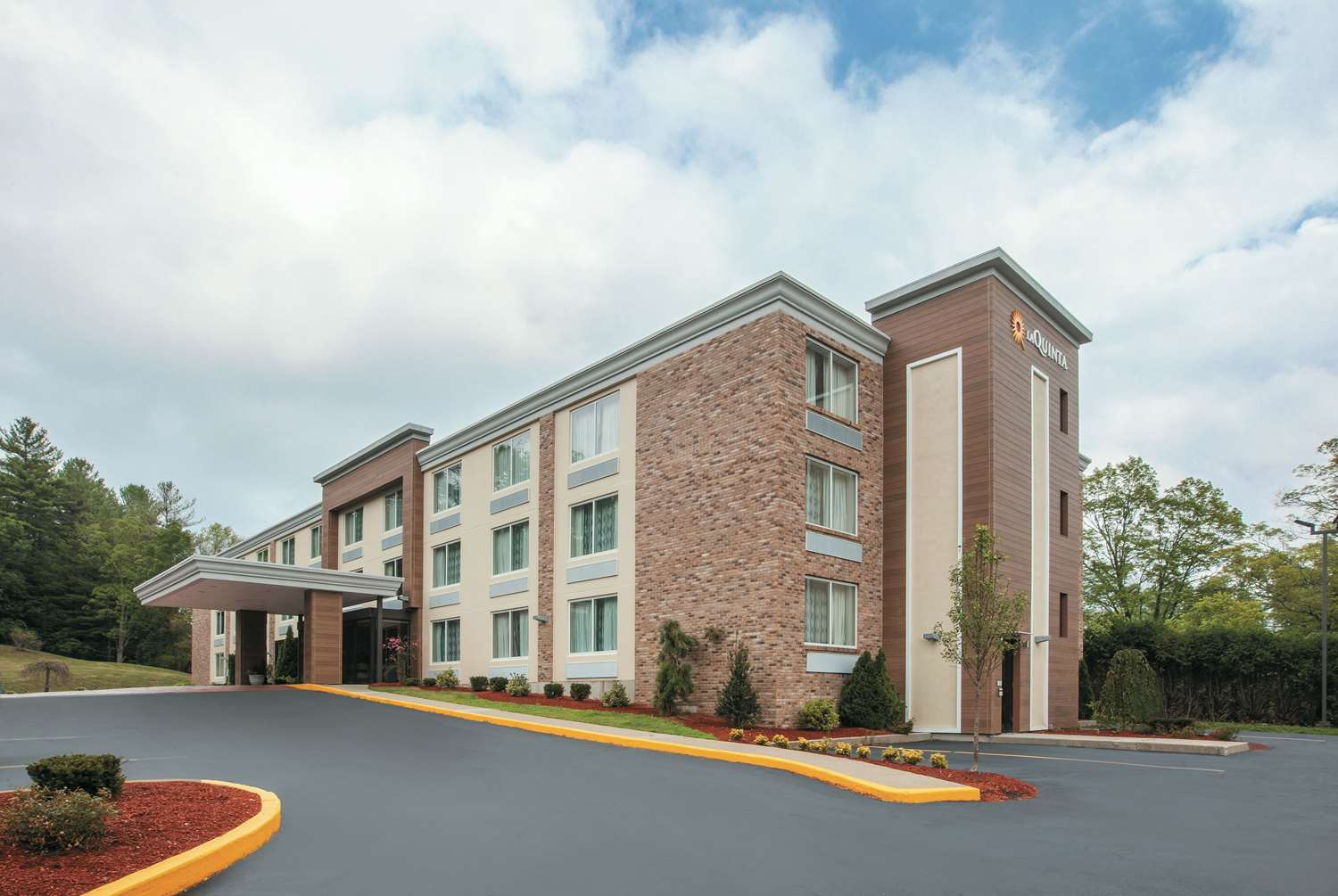 Exterior view - La Quinta Inn & Suites Sturbridge