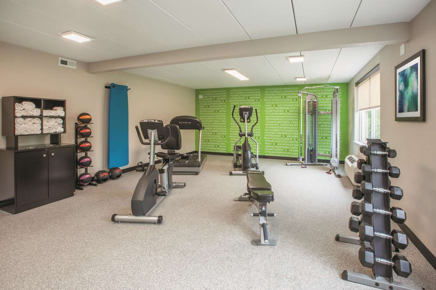 Fitness/ Exercise Room - La Quinta Inn & Suites Sturbridge