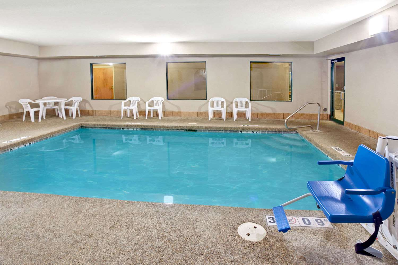 Pool - Super 8 Hotel South Bend
