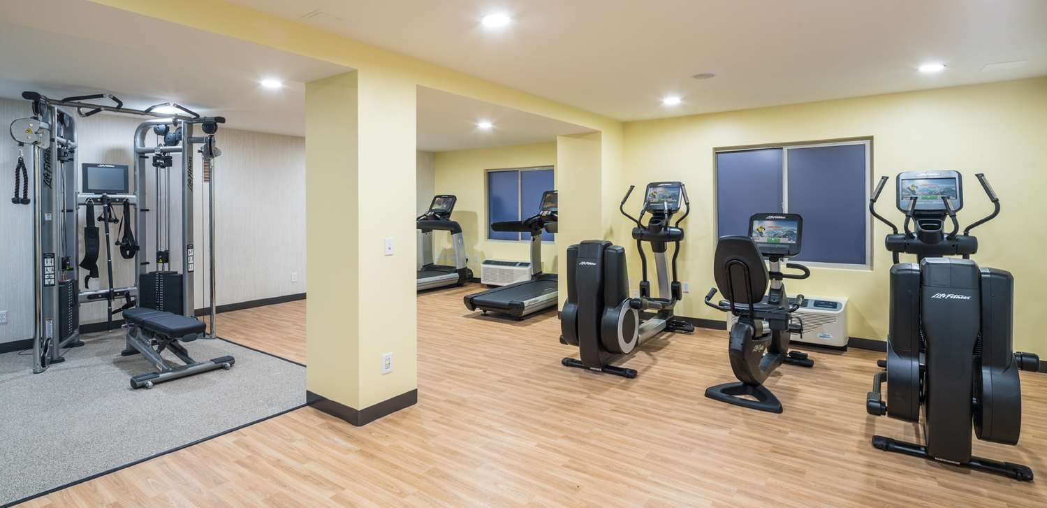 Fitness/ Exercise Room - Doubletree by Hilton Hotel Gainesville