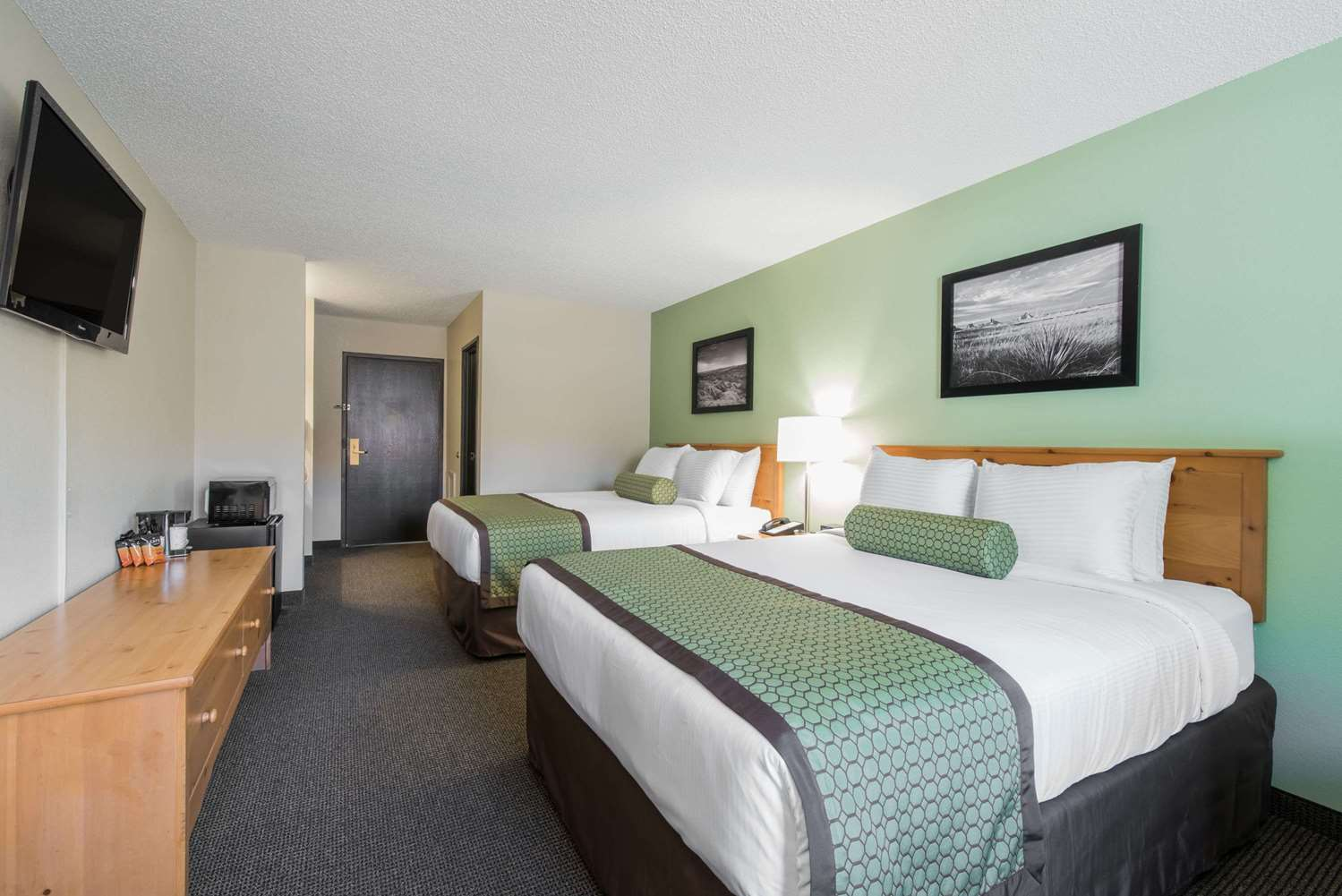 Room - Baymont Inn & Suites Pierre