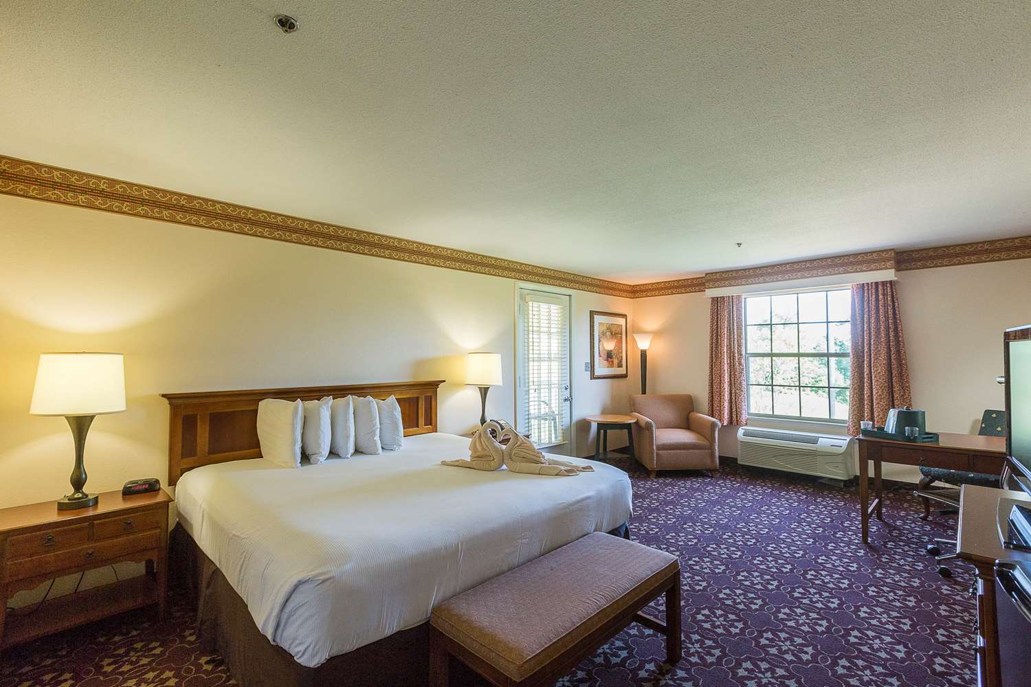 Room - Cypress Bend Golf & Conference Resort Many