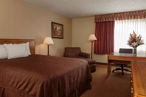 Room - High Desert Inn Elko