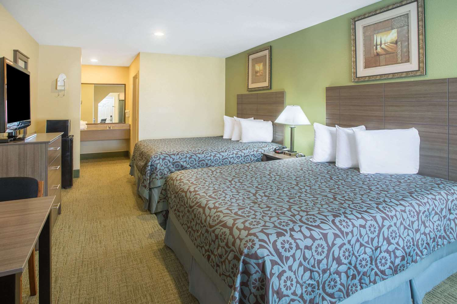 Room - Days Inn Abbeville