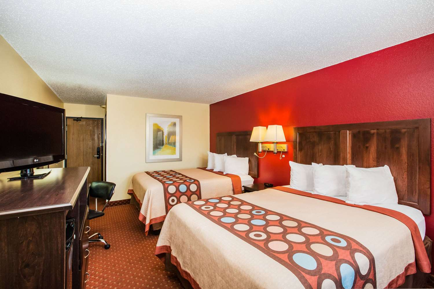 Room - Baymont Inn & Suites Cedar Rapids