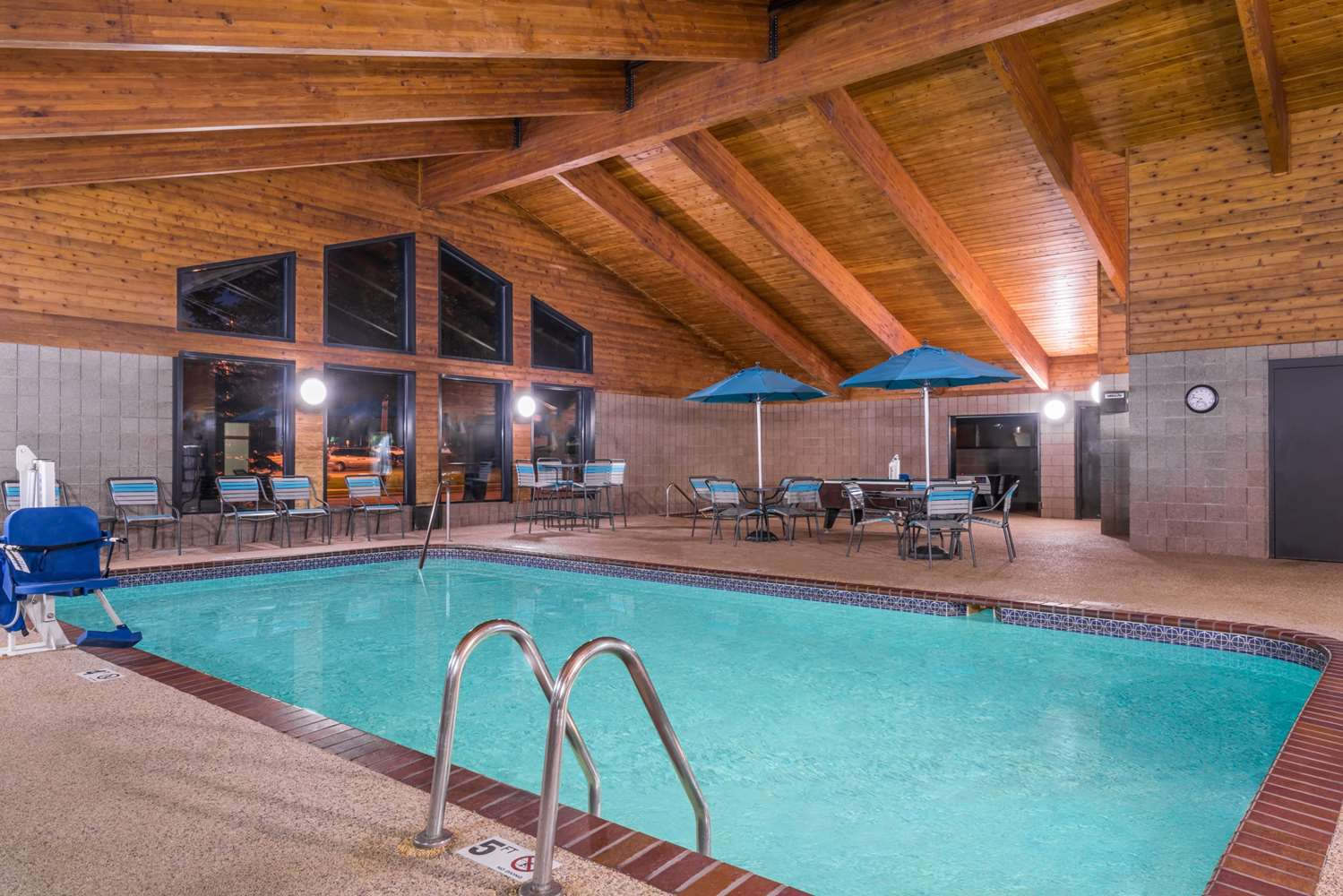 Pool - Baymont Inn & Suites Owatonna
