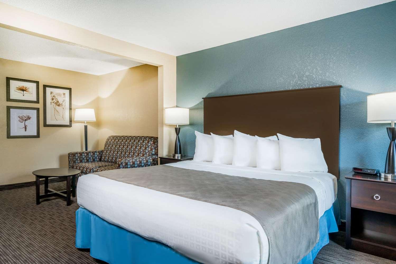Room - Baymont Inn & Suites Owatonna