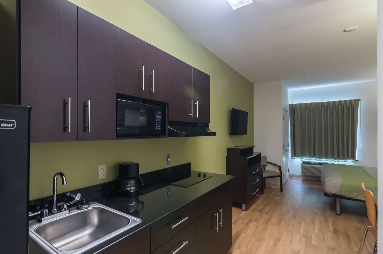 Amenities - Studio 6 Extended Stay Hotel Colorado City