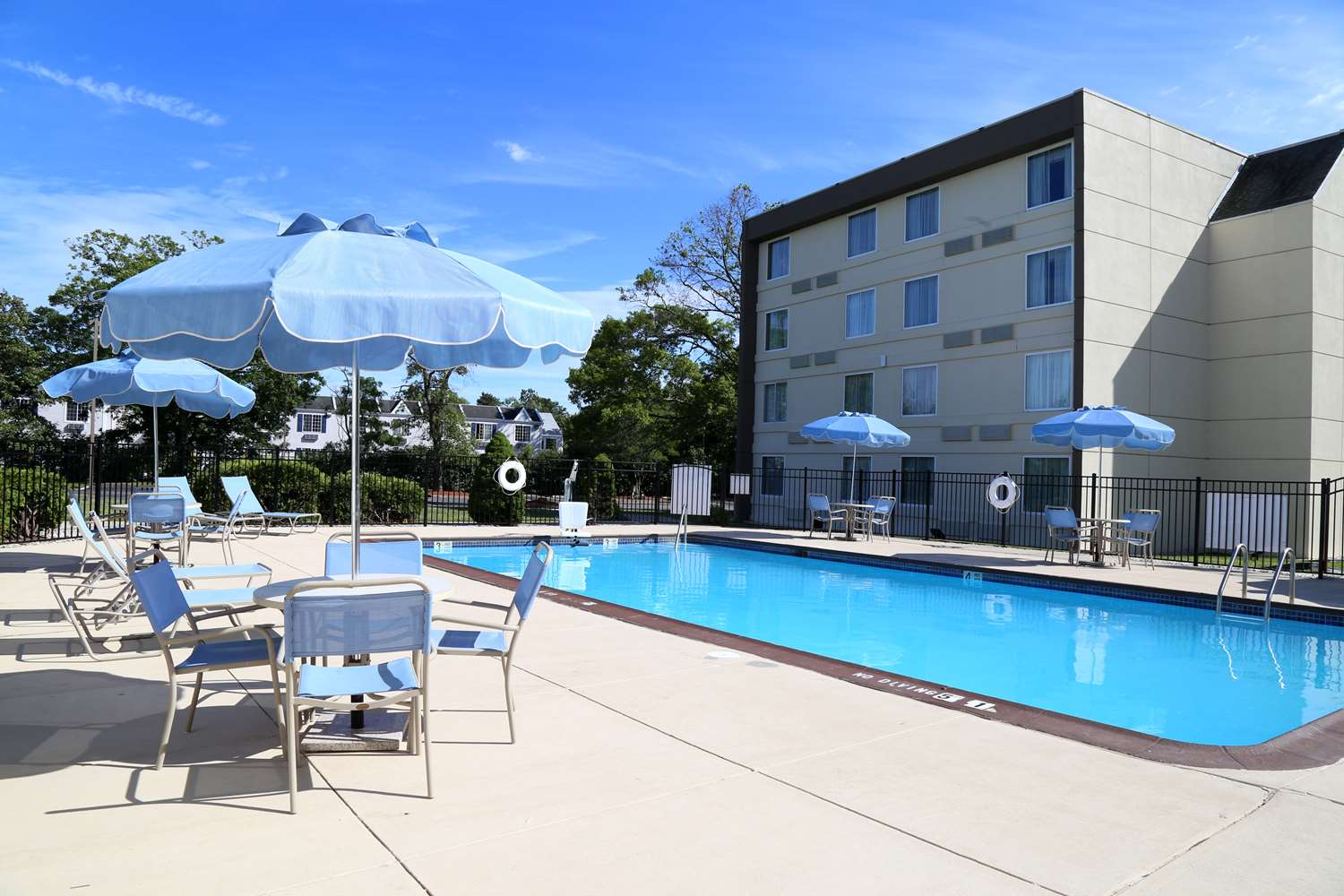 Pool - Wingate by Wyndham Hotel Egg Harbor Township
