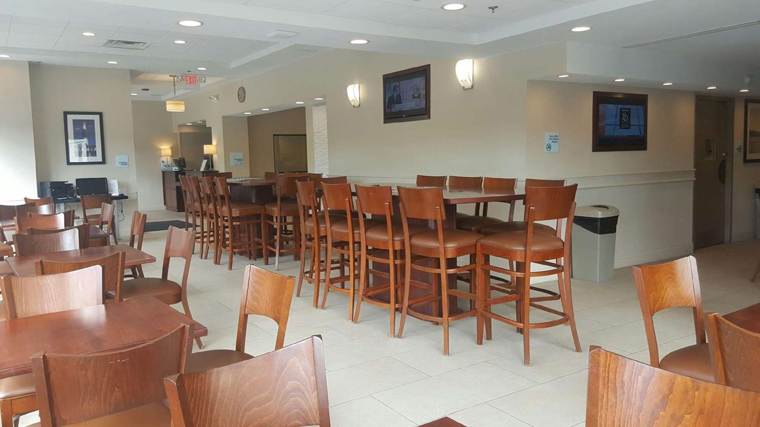 Restaurant - Wingate by Wyndham Hotel Egg Harbor Township