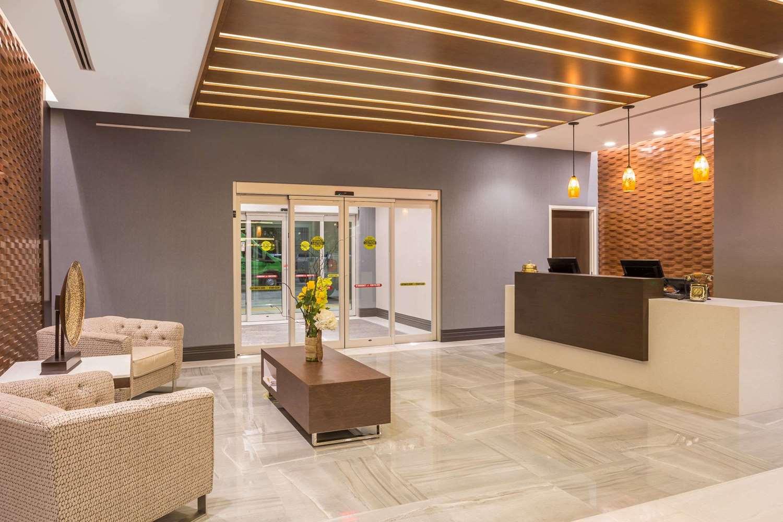 Lobby - Wingate by Wyndham Hotel Miami Airport Doral