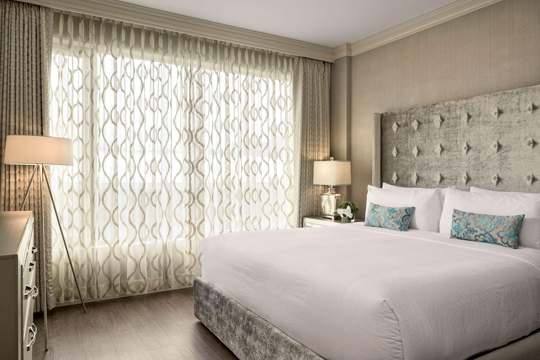 Room - Georgian Court Hotel Vancouver