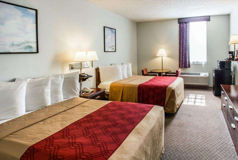 Room - Baymont Inn & Suites Florida City