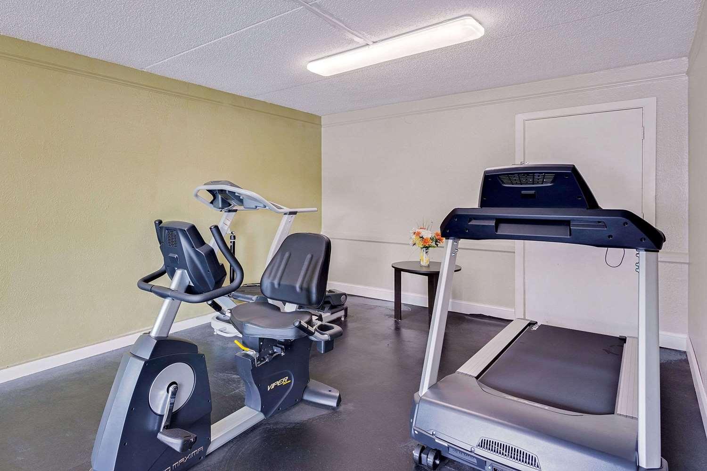 Fitness/ Exercise Room - Baymont Inn & Suites Orange Park Jacksonville