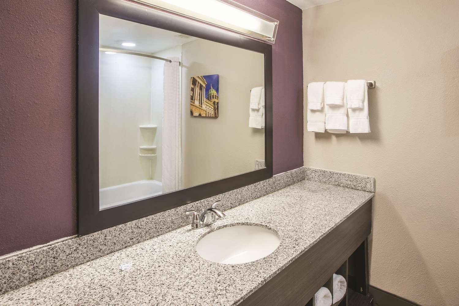 Room - La Quinta Inn & Suites Mechanicsburg