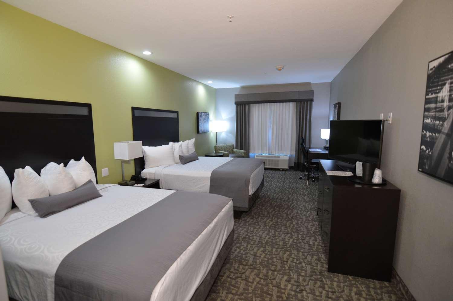 Room - Best Western Plus Bay City Inn