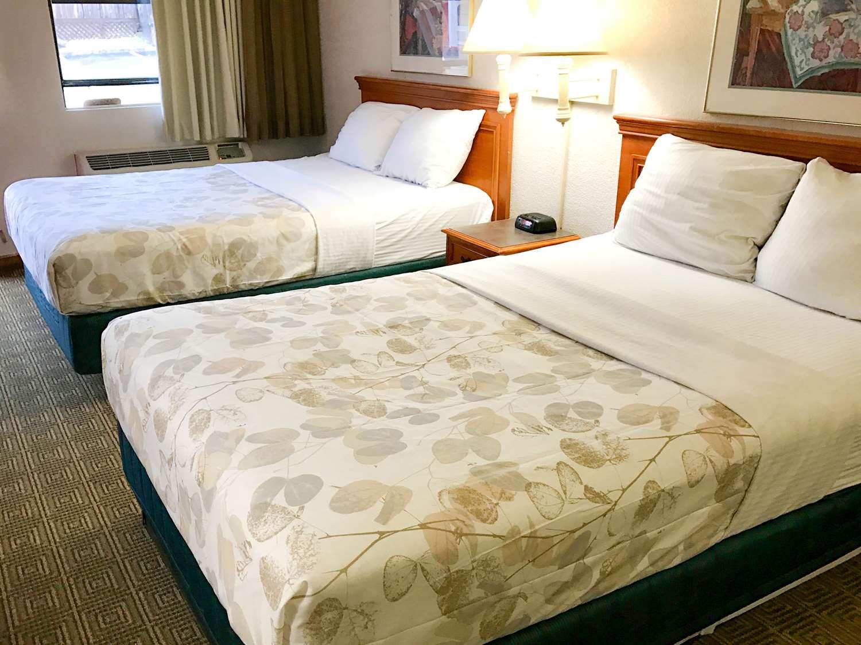 Room - Americas Best Value Inn West Medical Center Little Rock