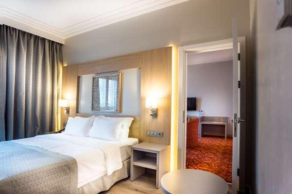 Hotel HOTEL GOLDEN TULIP LE DIPLOMATE COTONOU - Standard Suite - Sea View