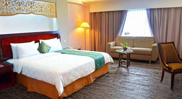 Le Kyriad Bumiminang Hotel