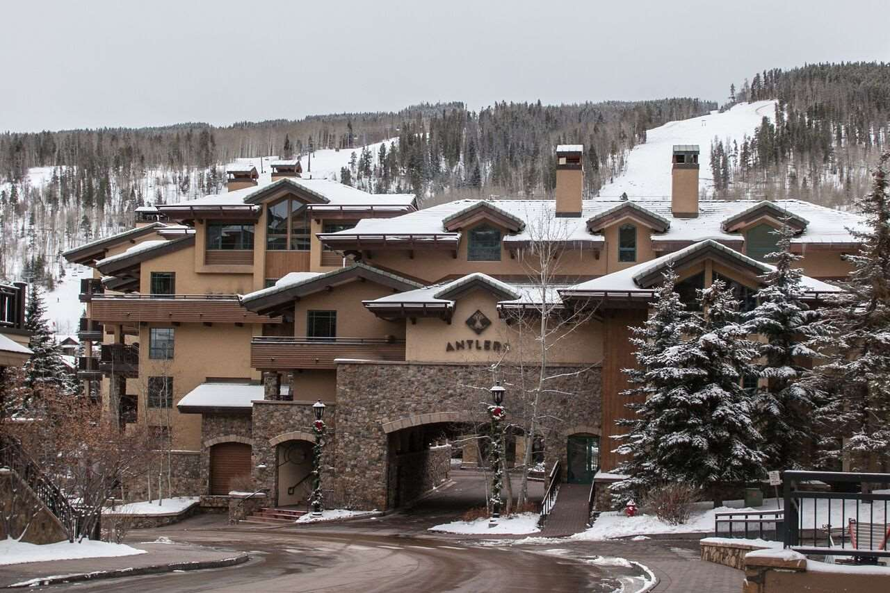 Exterior view - Antlers at Vail Condos & Conference Center