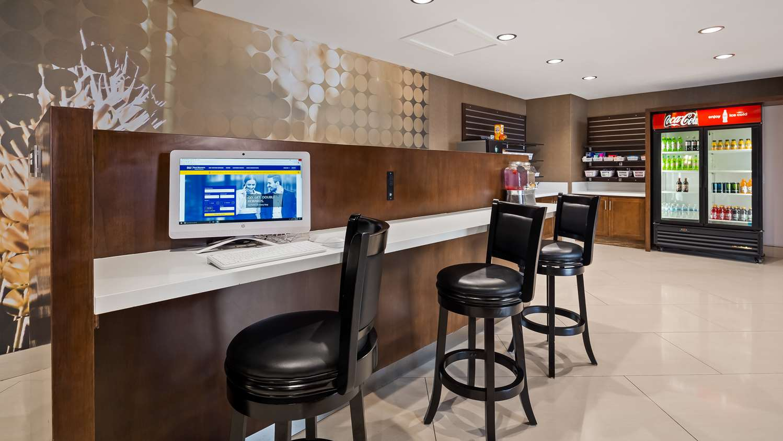 Conference Area - Best Western Premier Milwaukee Brookfield Hotel & Suites