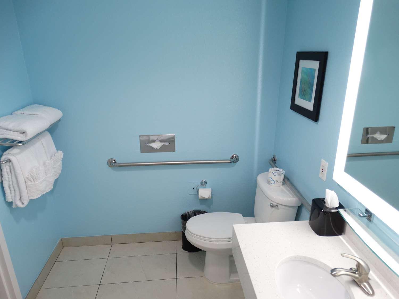 Room - Best Western Plus Kissimmee-Lake Buena Vista South Inn & Suites