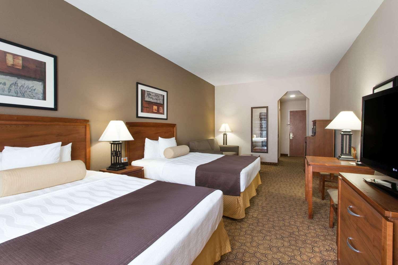 Suite - Days Inn I-95 Fort Pierce