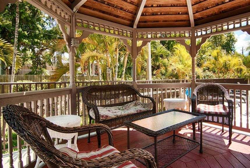 proam - Days Inn & Suites Bonita Springs