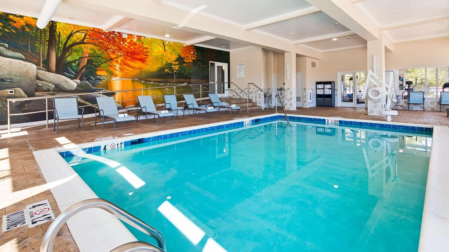 Pool - Best Western Gettysburg Hotel