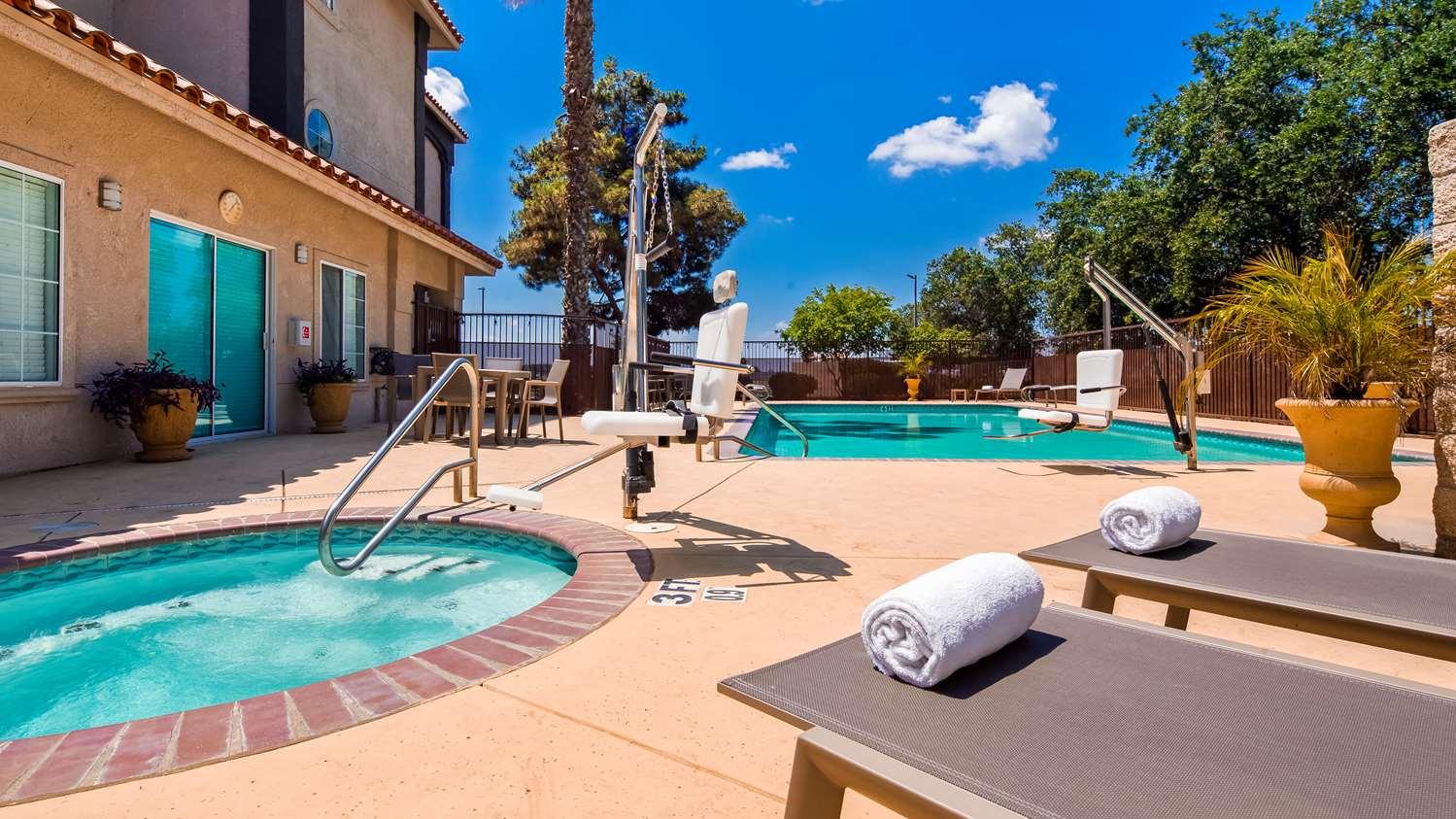 Pool - Best Western Visalia Hotel