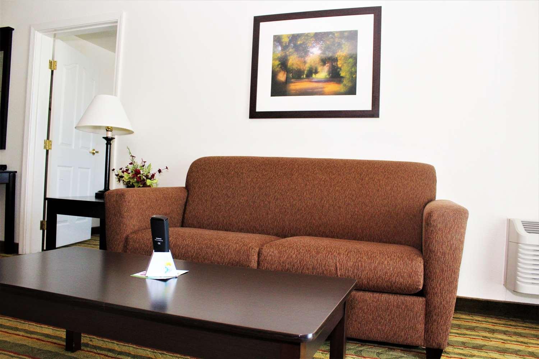 Suite - Best Western Visalia Hotel