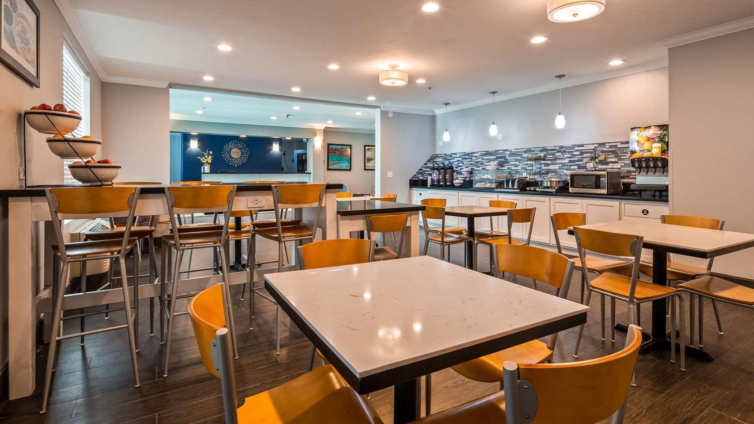 Restaurant - Best Western Visalia Hotel