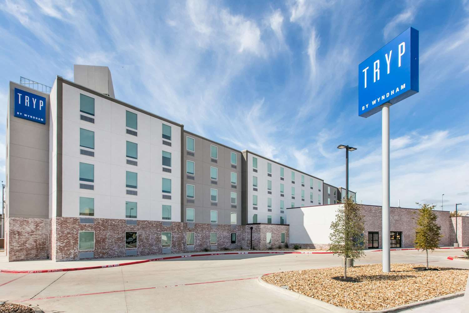 Exterior view - TRYP by Wyndham Hotel College Station