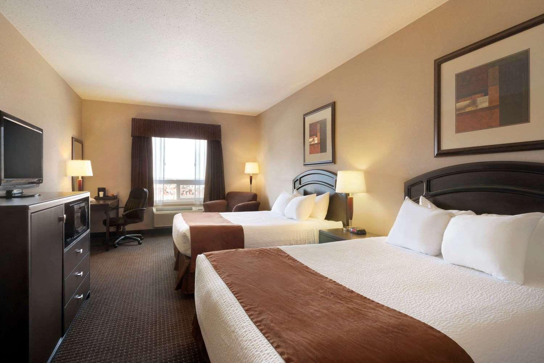 Room - Days Hotel Innisfail